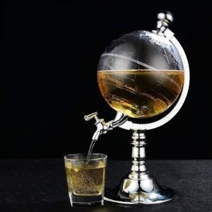 Lichidare de stoc . Dozator pentru bauturi in forma de Glob Pamantesc